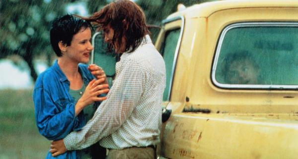 WHAT'S EATING GILBERT GRAPE, from left: Juliette Lewis, Johnny Depp, Leonardo DiCaprio (in truck), 1993, © Paramount
