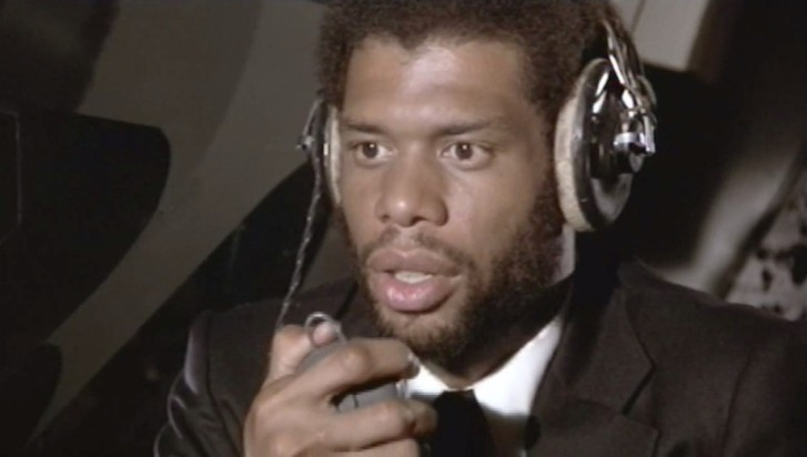 kareem-abdul-jabbar-as-murdock-in-airplane