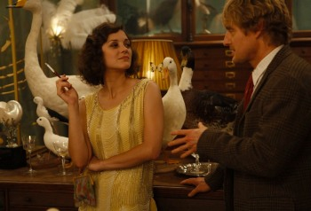 marion-cotillard-and-owen-wilson-in-woody-allens-midnight-in-paris