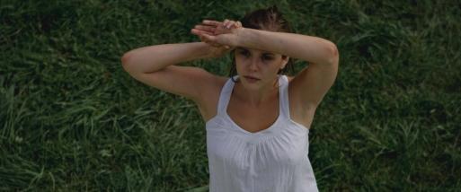 martha_marcy_may_marlene_movie_image_elizabeth_olson_02