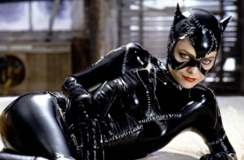 michelle-pfeiffer-catwoman-in-batman-returns-purrfect