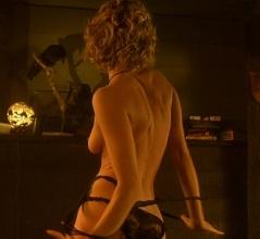 rebecca_romijn-sexy-femme_fatale-02