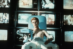 David Bowie in Nicolas Roeg's THE MAN WHO FELL TO EARTH (1976). Courtesy Rialto Pictures/StudioCanal.