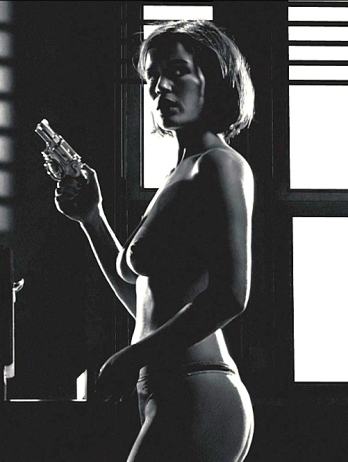 carla_gugino-nude-sin_city-03