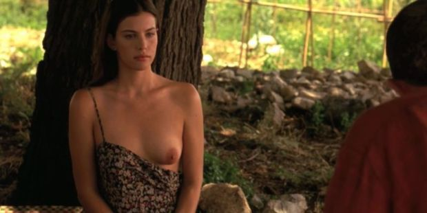 liv_tyler_stealing_beauty_sex_scene_opujem-com_
