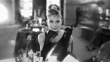 breakfast_at_tiffanys_still_4