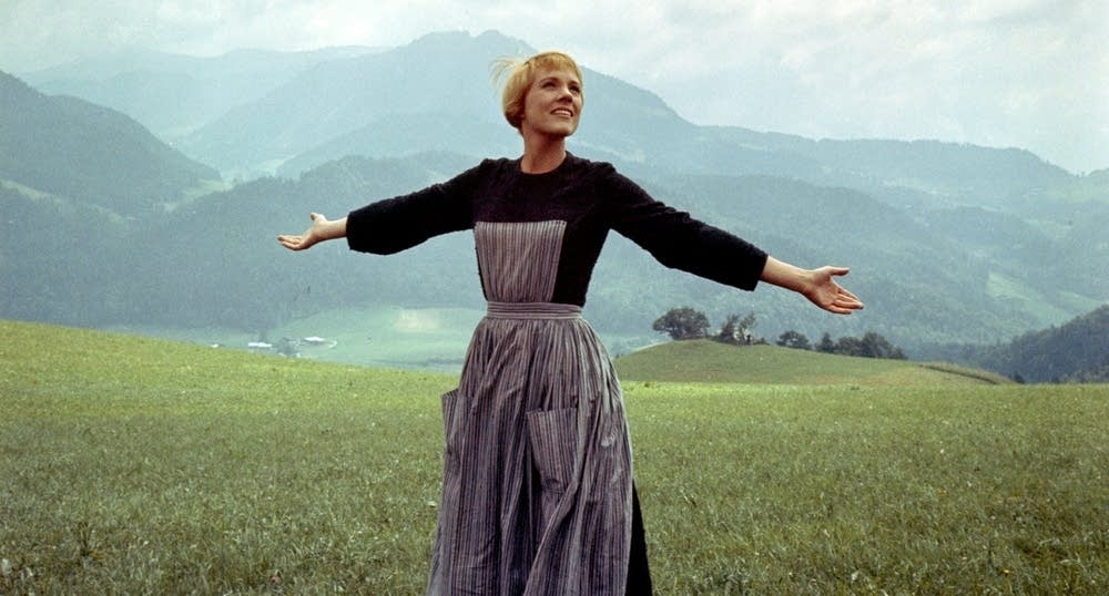 6cc1bb-20150317-julie-andrews-in-the-sound-of-music