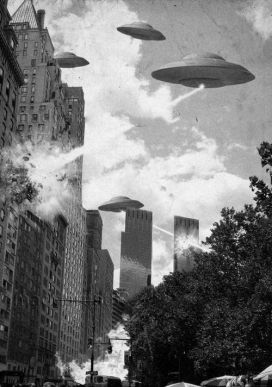 Eath vs the Flying Saucers by Larry Higbee (maddartist83.deviantart.com)