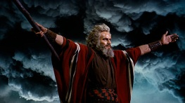 the-ten-commandments-movie-clip-screenshot-parting-the-red-sea_large
