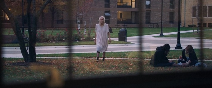 it-follows-2014-old-lady